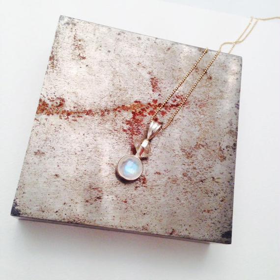 Moon stone/ Diamond quartz ネックレス