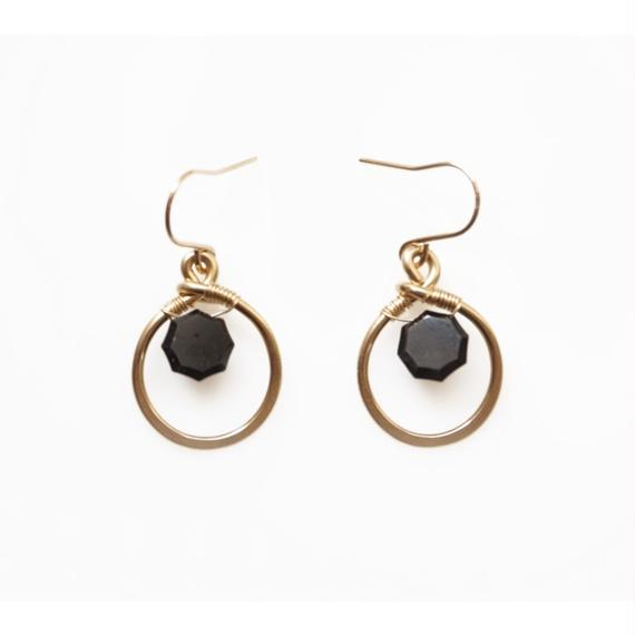 Little sparkle earring- Black spinel