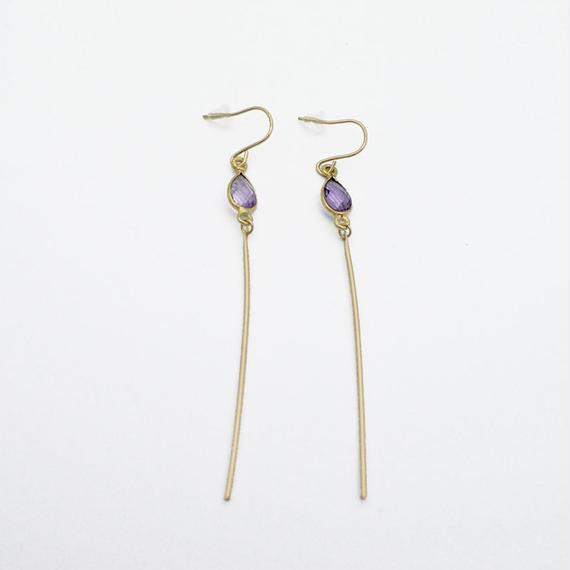 Amethyst line earring