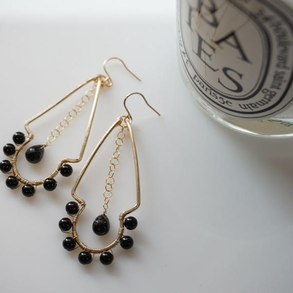 Sunny earring- Black spinel