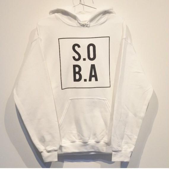 S.O.B.A フロントBOXプリント プルオーバーパーカー