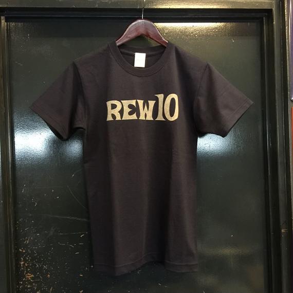 REW10 FIRST LOGO TEE