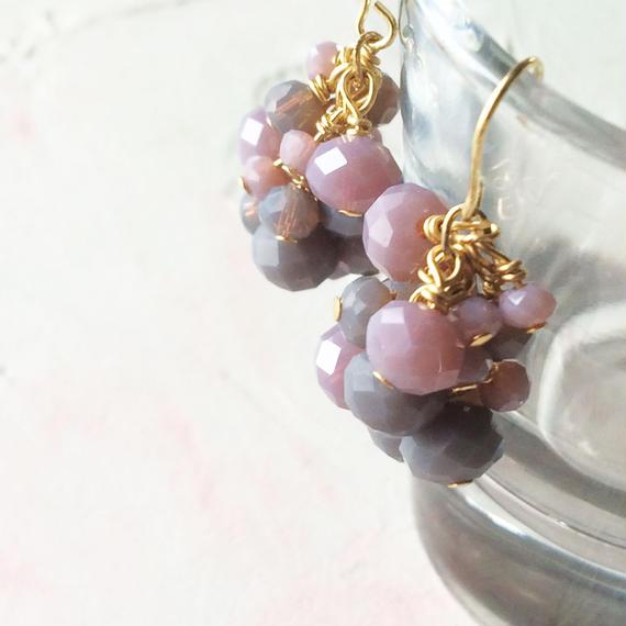 木の実ピアスー落ち着いた甘さー(濃い紫×グレー)