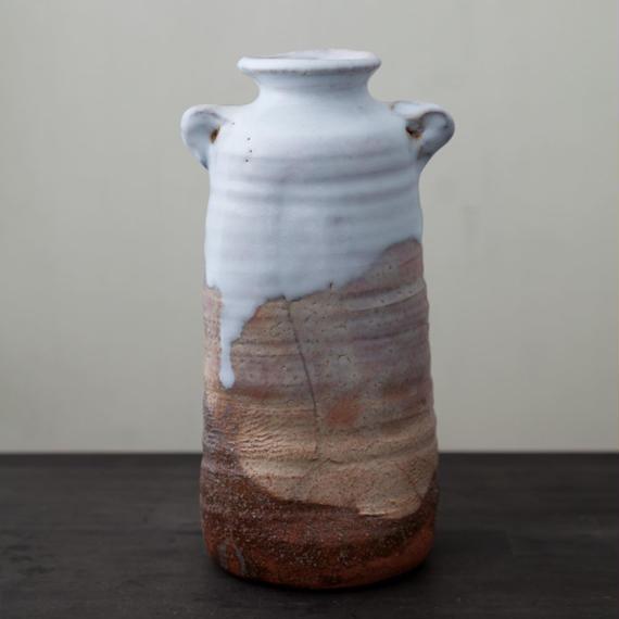 陶器 萩焼 輪花 耳付花瓶(木箱入) 林紅陽 作