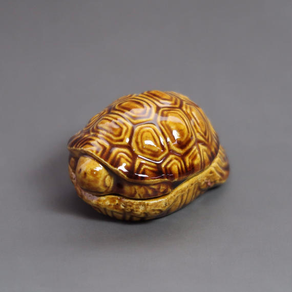 """Kō-gō"" Incense Ball Case - Turtle Amber"