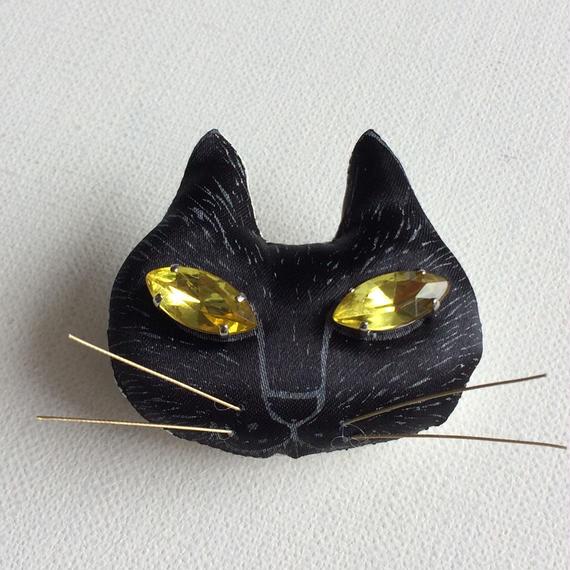 ネコのブローチ ブラック