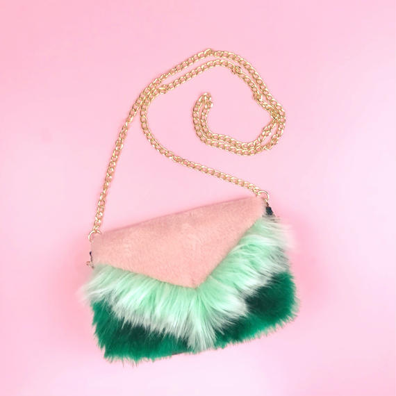 color block fakefur purse/pink&green