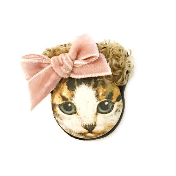 カーリーヘア猫ブローチ(茶白ねこ)
