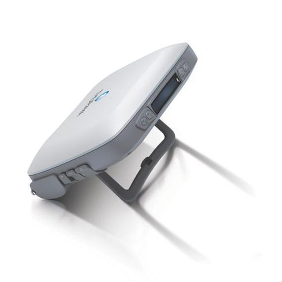 Thuraya IP 衛星高速データ通信モデム (価格応談)