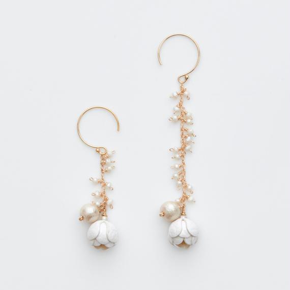 Tsurara Earrings / white , black , sakura , rose