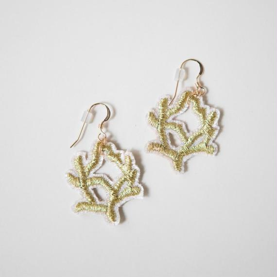 Coral  Earrings - Pair Set / zazie ai