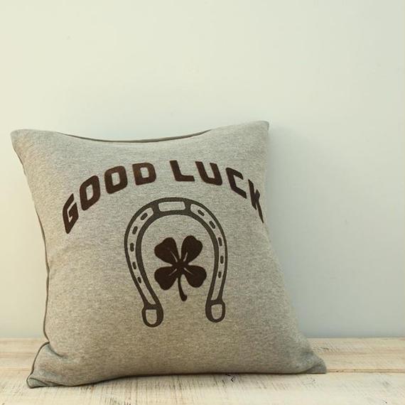 Good Luck Cusion Cover / Ginger Beach Inn original
