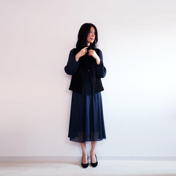◆12月末に再入荷◆Edasich[エダシク] シルクモール・ベスト / ブラック