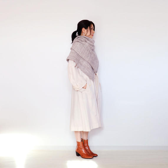 ◆12月末に再入荷◆Chara[カラ] シルクモヘア・ストールポンチョ / グレー系1