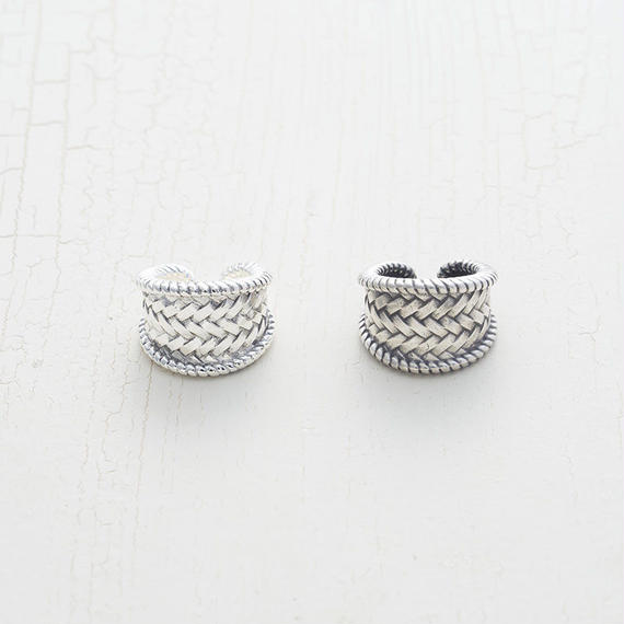 Twist mesh ring
