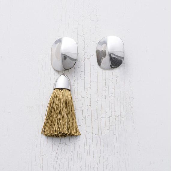 Tassel earing (asymmetry / Khaki)