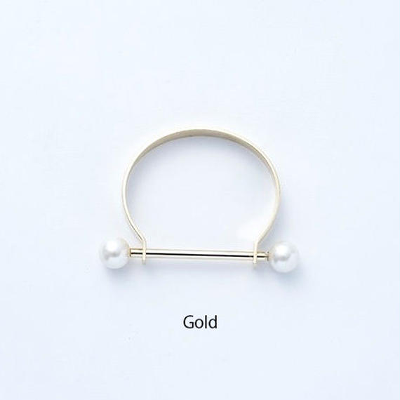 Hat pin pearl bangle