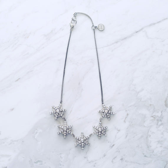 Snow necklace