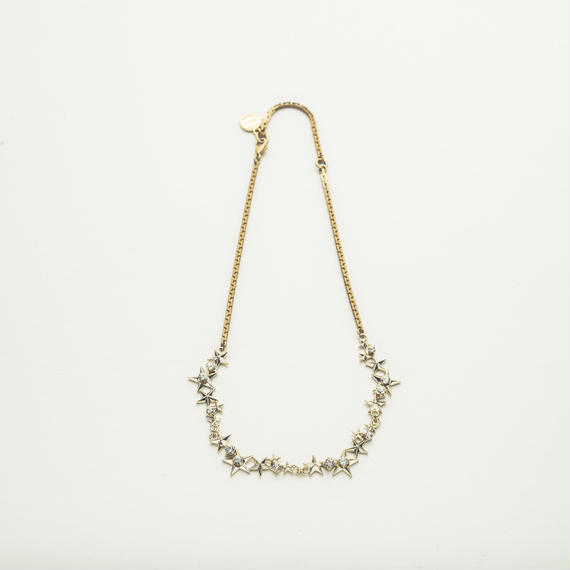 Star motif necklace