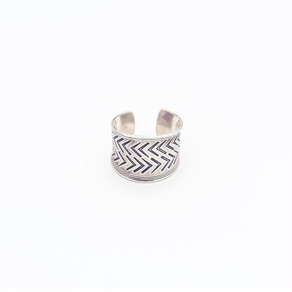 Modern tribal ring