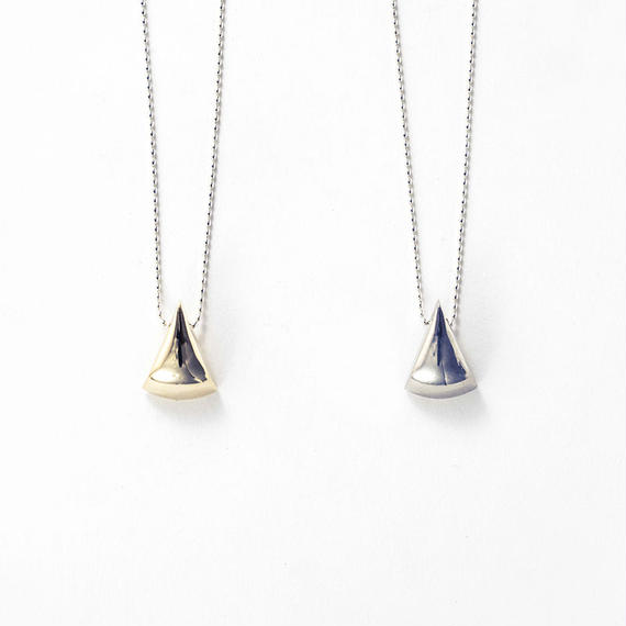 Metal stone necklace (Triangle)