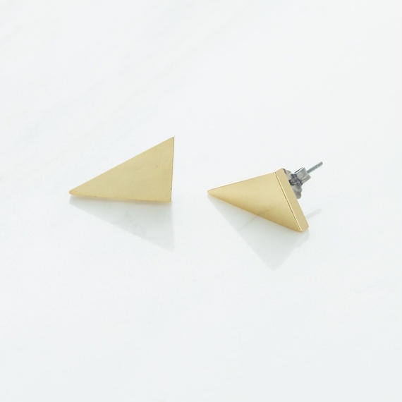 Graphic flat pierce
