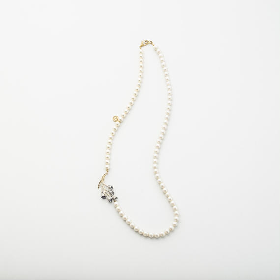 Snowflake long pearl necklace