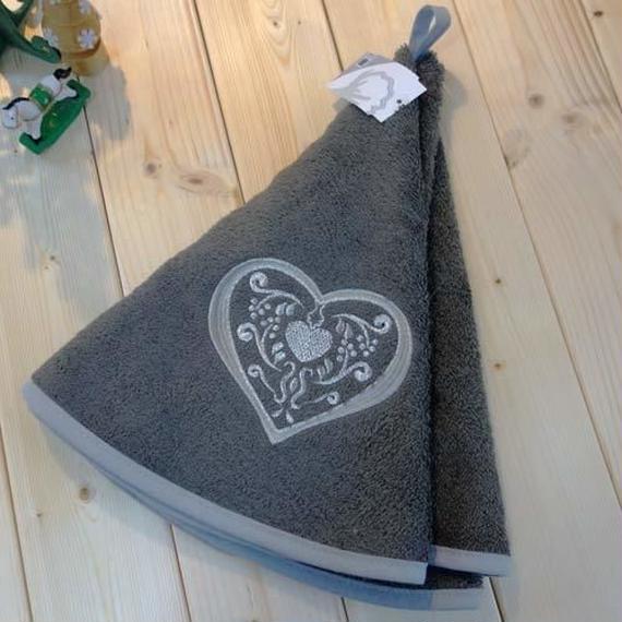 pv-towel017  ★機能性、デザイン性抜群!プロヴァンスの豊かな自然をモチーフにした円形タオル(ハートグレー)