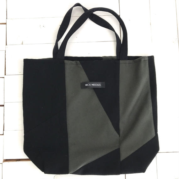 NICK NEEDLES Geometric Tote KAHKI×BLACK