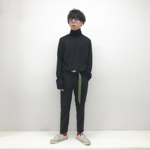 KONYA / タートルネックウールニット