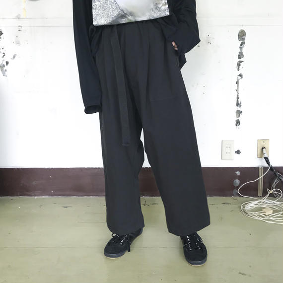 SHUTTLE /BAGGY PANTS /black