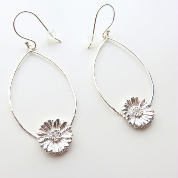 ガーベラピアス、 ガーベラフープピアス、Gerbera dangle earrings, Flower earrings, African Daisy, sterling silver