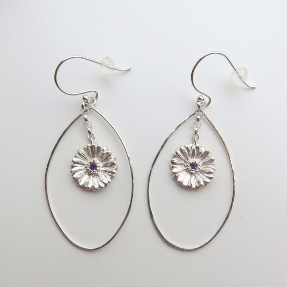 ガーベラしずくフープ チェーンピアス、 ガーベラフープピアス、Gerbera dangle earrings, Flower earrings, African Daisy
