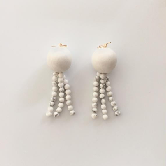Earrings d ホワイト
