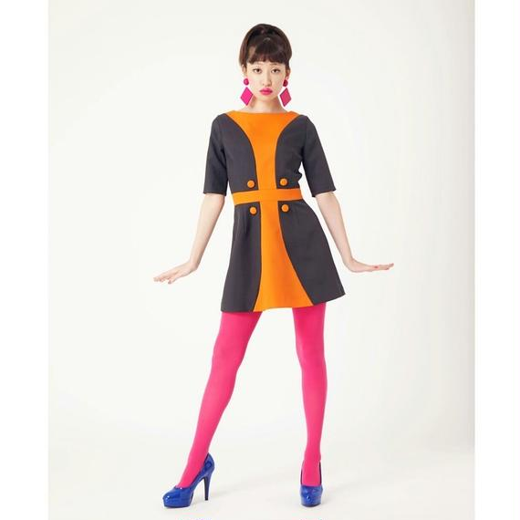シンメトリーカーブ五分袖ドレス