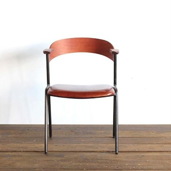 danis short arm chair camel oil leather
