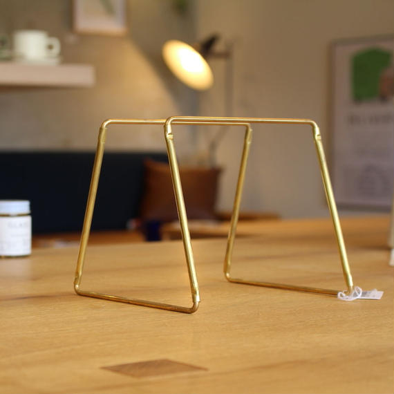 FORM x amabro  dripper stand