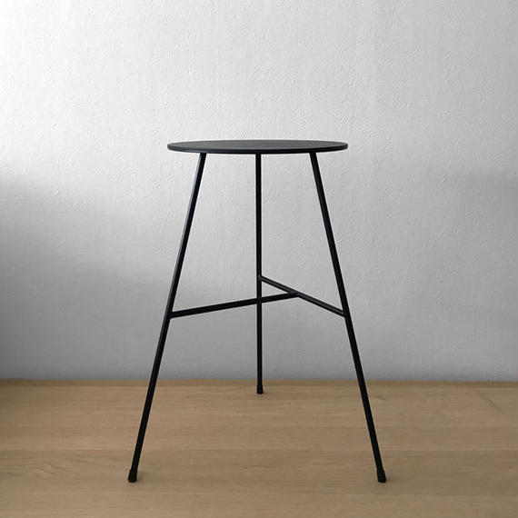 NEOMING IRON STOOL w/3LEGS 'FULL LACQUERED' (T-TYPE)