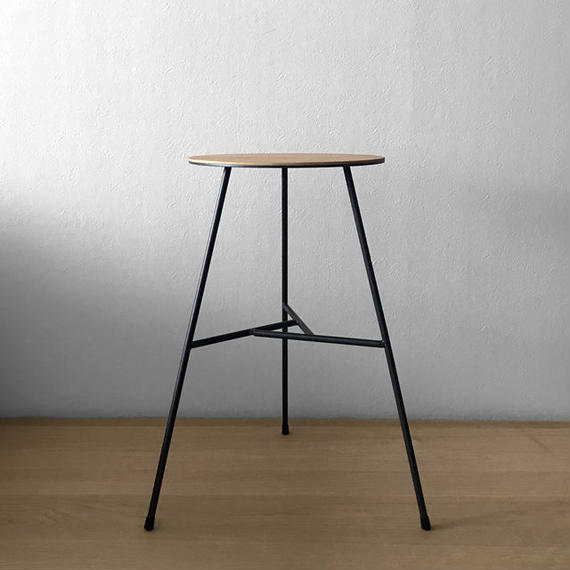 NEOMING IRON STOOL w/3LEGS 'LACQUERED BASE  w/OIL&WAX FINISHED SEAT' (A-TYPE/ELM)