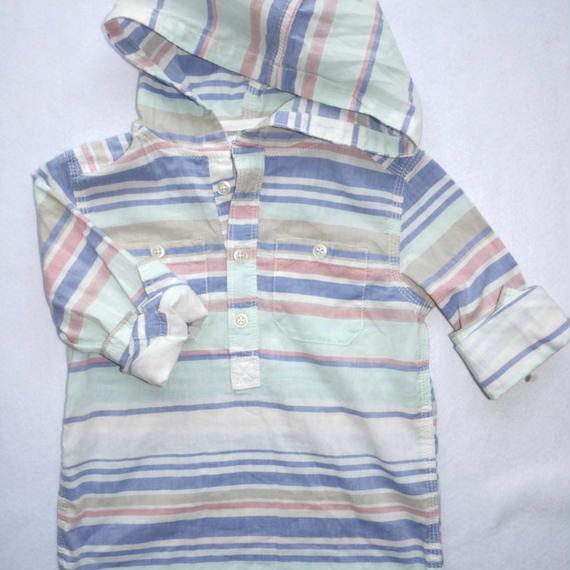 【carter's】 マルチボーダー フード付きシャツ