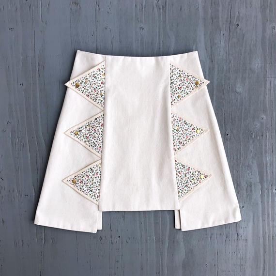 ギザギザスカート / WHITE