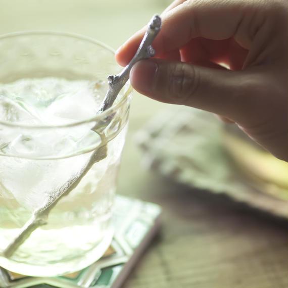 水がおいしくなる魔法の錫マドラー「梅ヶ枝」長(タンブラー用)