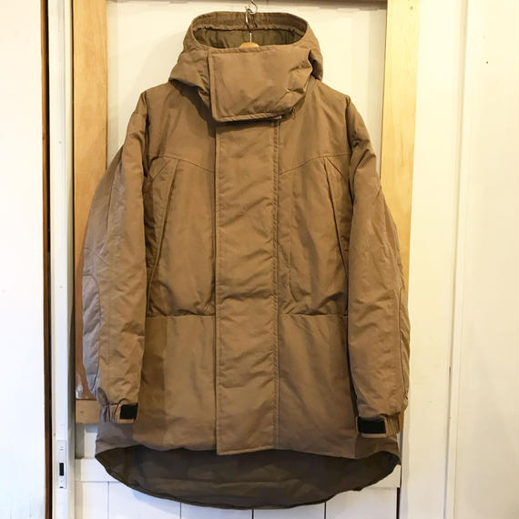 NANGA MONSTER PARKA    COYOTE