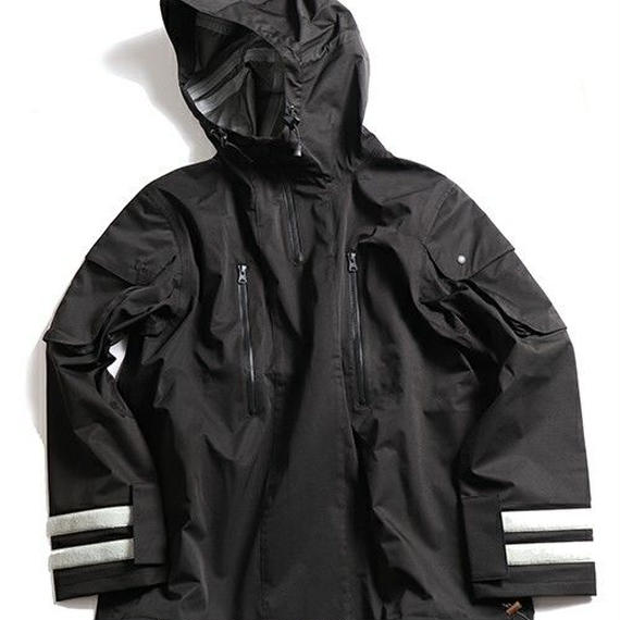 is-ness / LIQUID SPIRIT TECHNICAL PULLOVER JACKET