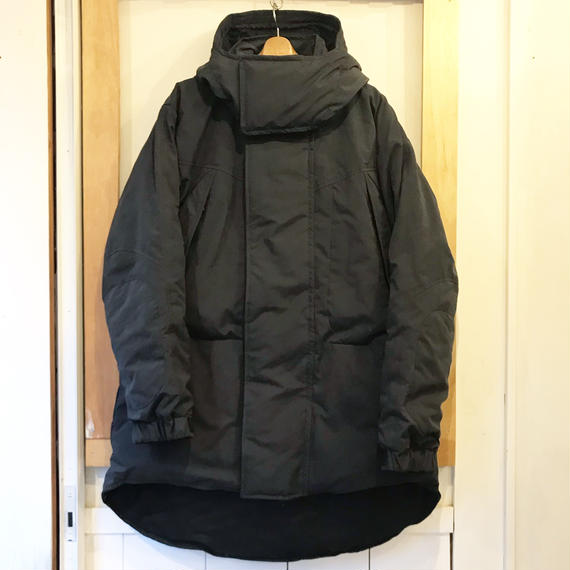 NANGA   MONSTER PARKA   BLACK