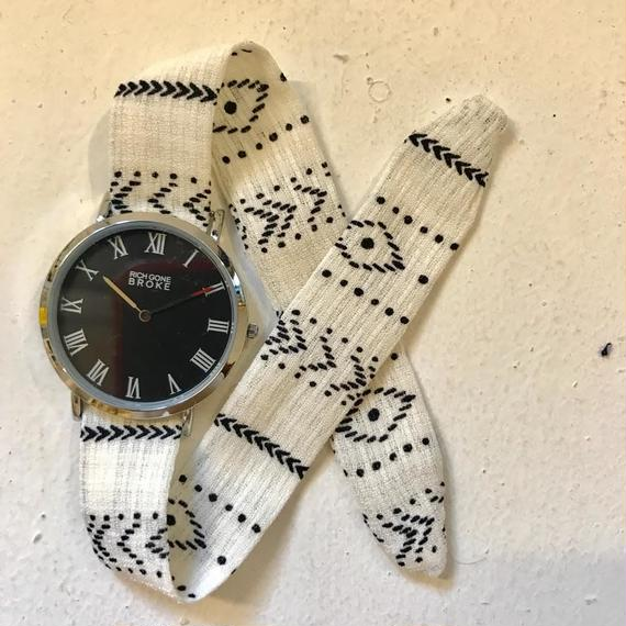Rich Gone Broke (Silver/Black M Case - white Liberty Strap)
