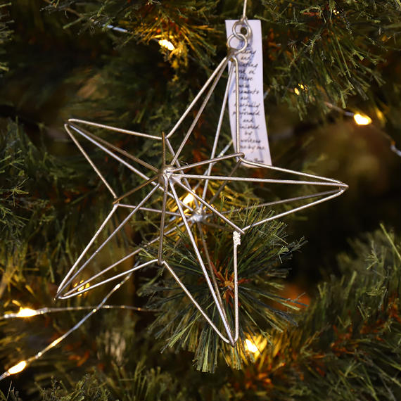 "Wire Ornament Linear Star ""L"""