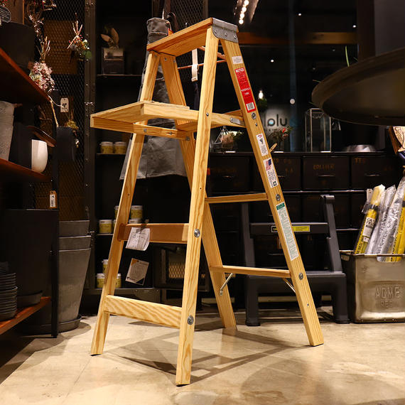 WOOD STEP LADDER / SIZE4