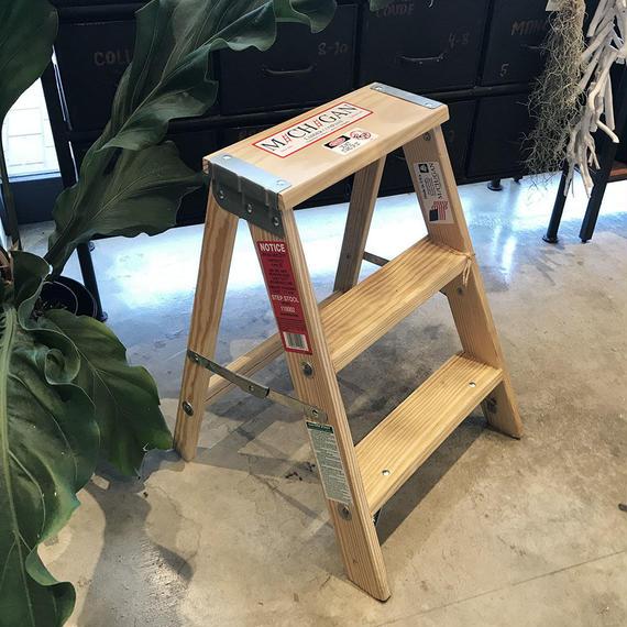 "Wood Step Ladder ""Size 2"""
