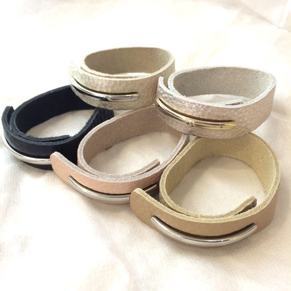 fakeleather bangle